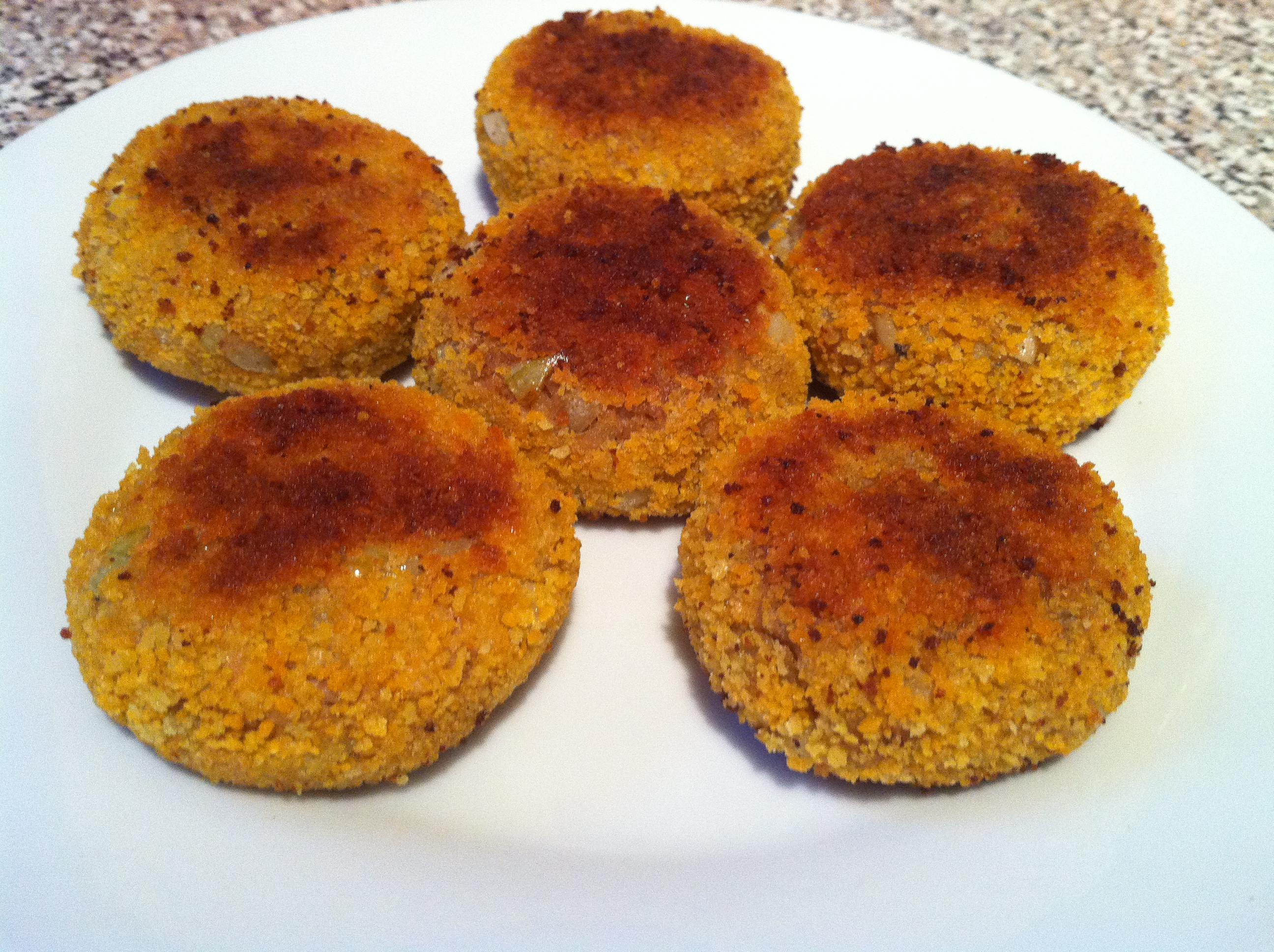 Homemade tuna fish cakes food that makes you smile for Tuna fish patties